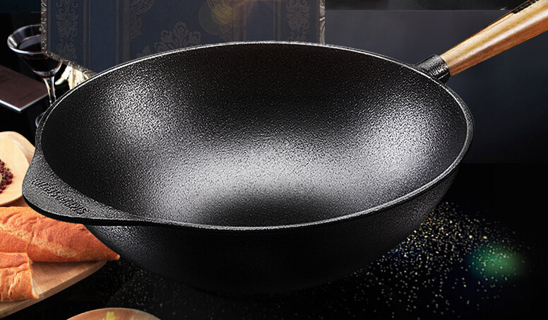 High quality wooden handle cast iron wok